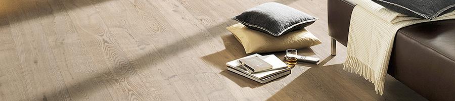 Echtholzparkett Eiche grau geölt im rustikalen Stil